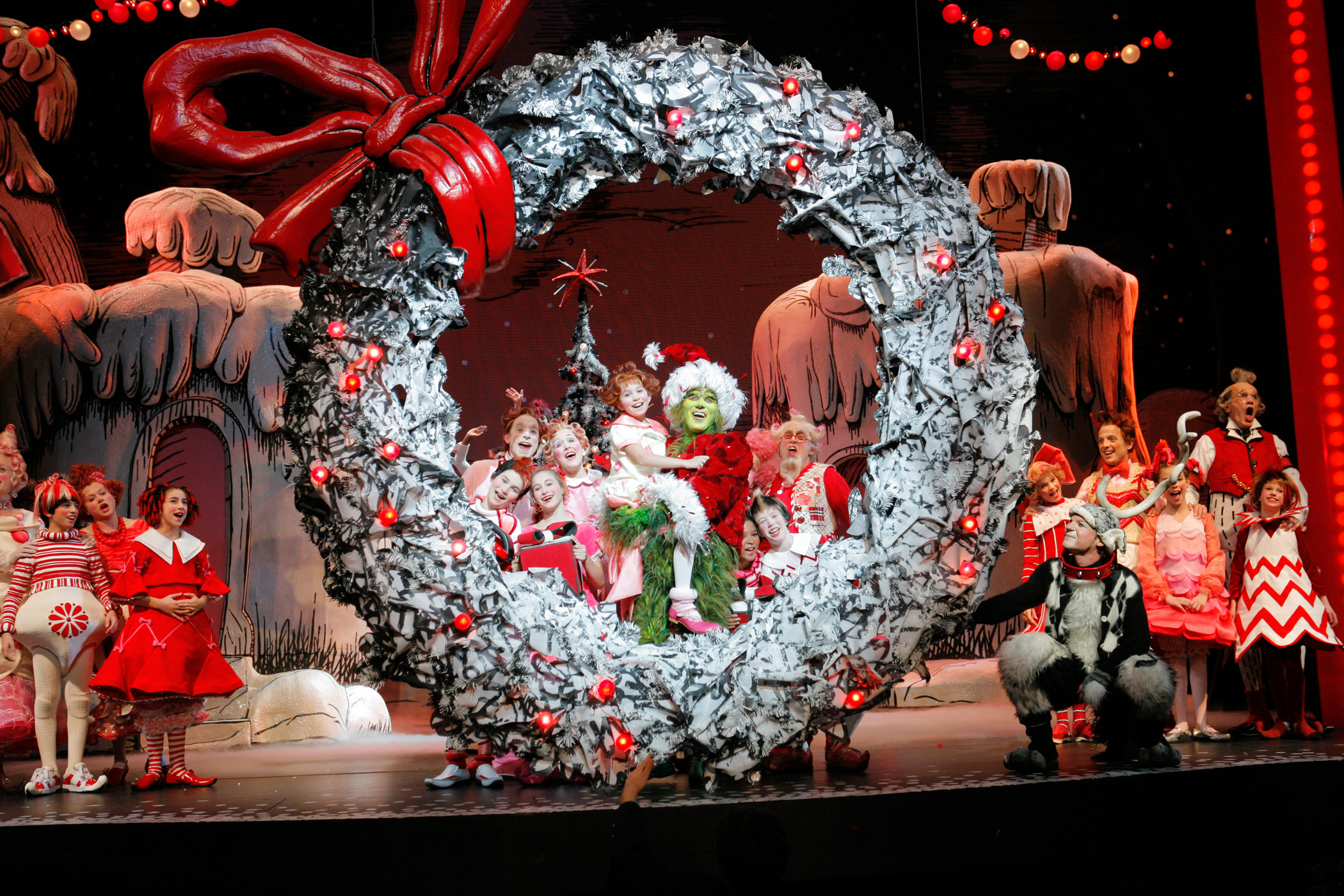Dr. Seuss' How the Grinch Stole Christmas Will Return to Madison Square  Garden | Playbill