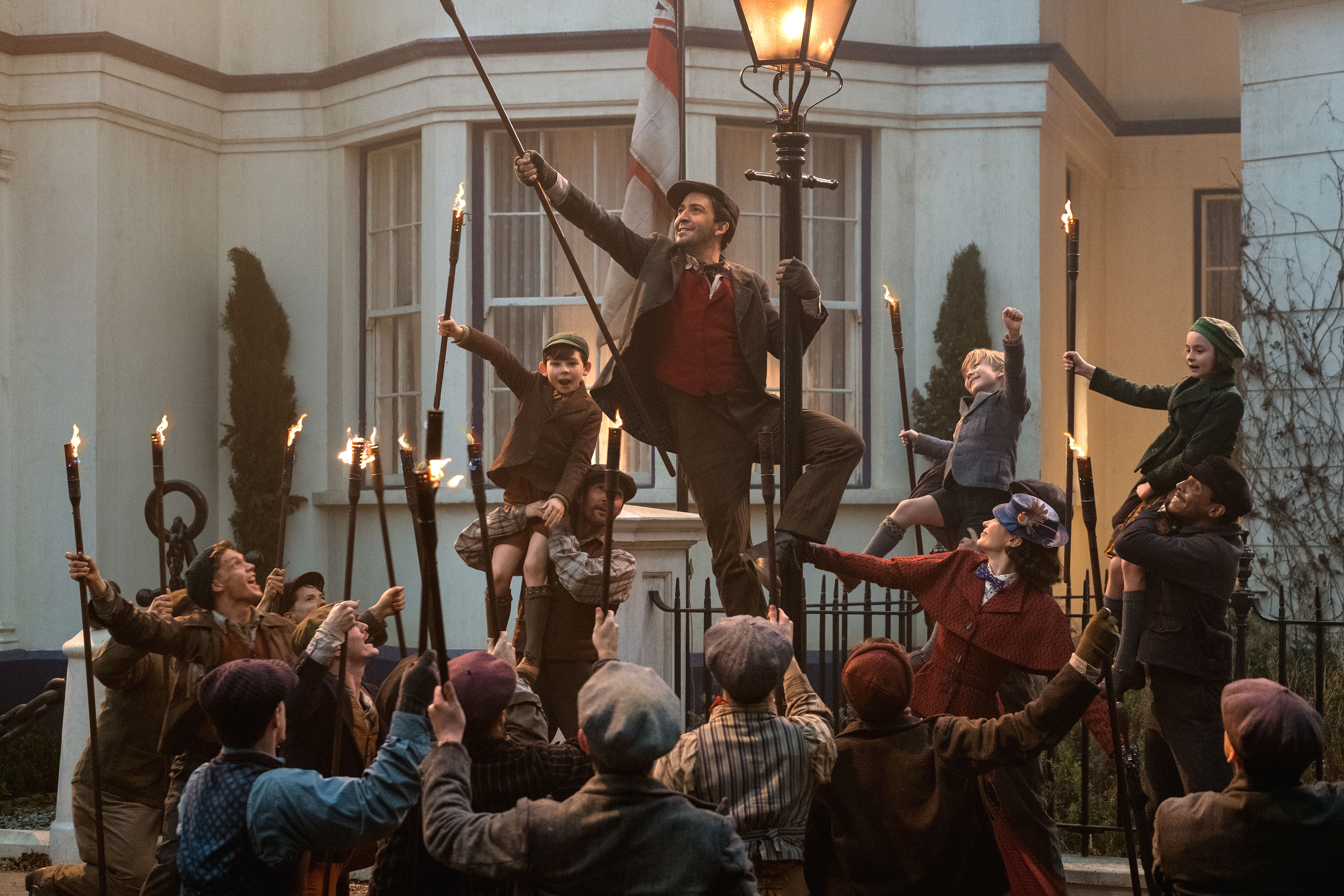 How Lin Manuel Miranda Greeted Angela Lansbury On The Mary Poppins Returns Set Playbill