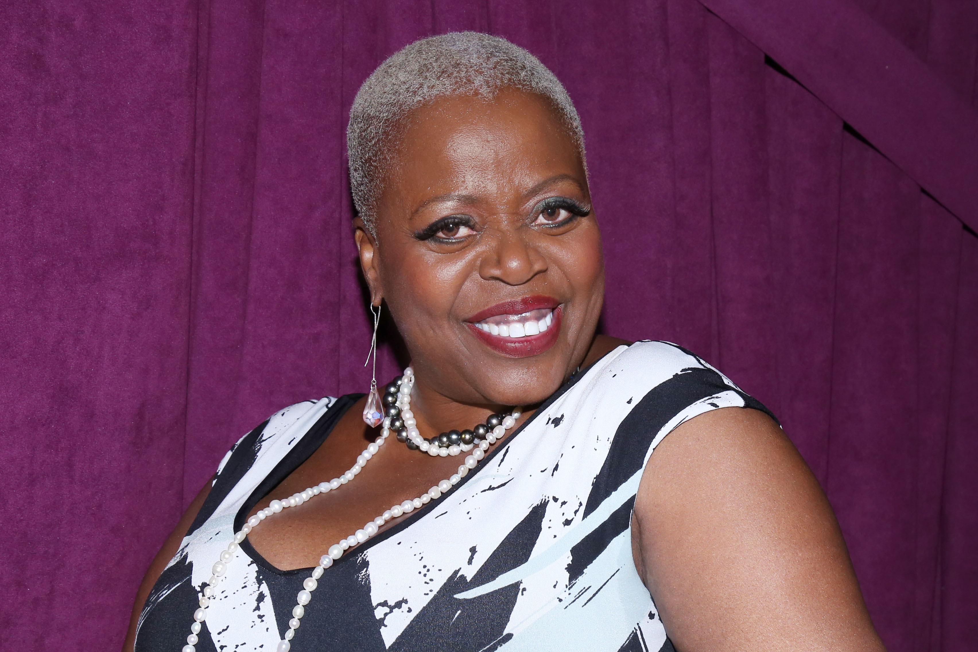 Lillias white on the couch at Porn Pictures